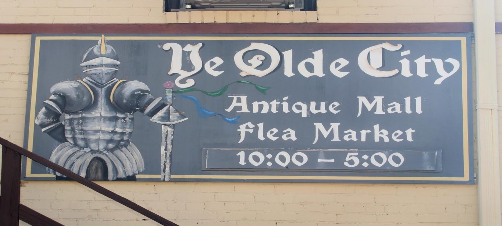 Ye Olde City Antique Mall Sign with hours 10 - 5